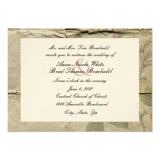 Invitación arrugada del boda de papel del vintage