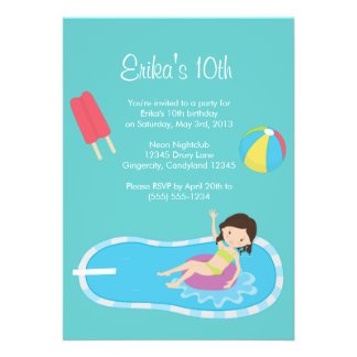 Invitación azul de la fiesta en la piscina