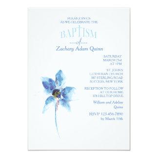Invitación azul del bautismo de la flor invitación 12,7 x 17,8 cm