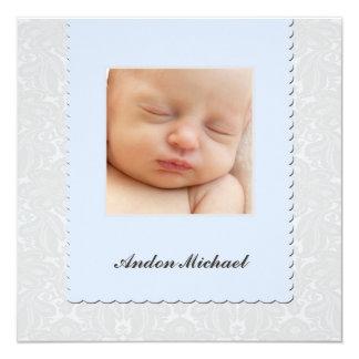 Invitación azul del nacimiento del damasco