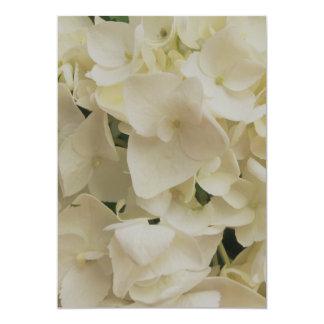 Invitación blanca del Hydrangea de los pétalos