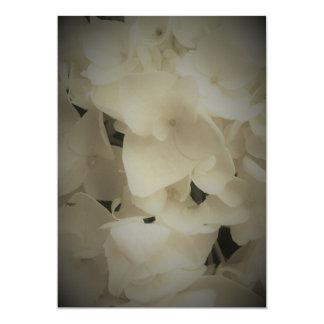 Invitación blanca enmarcada del Hydrangea de los