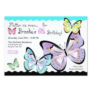 Invitación brillante y hermosa de la mariposa