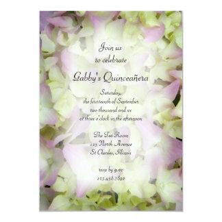 Invitación casi rosada del fiesta de Quinceañera