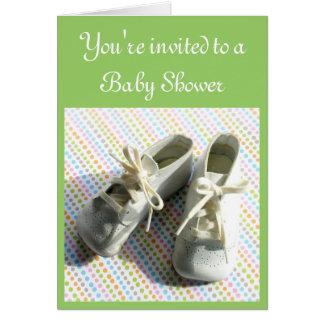 Invitación de la ducha de los botines del bebé