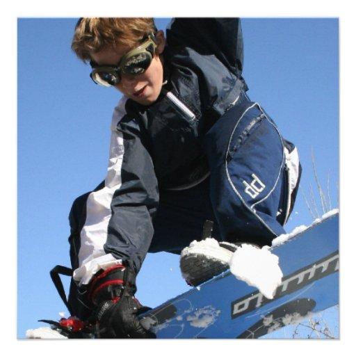 Invitación de la snowboard del adolescente