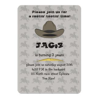Invitación de la tarjeta de cumpleaños del vaquero