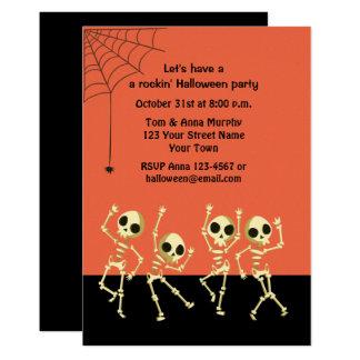 Invitación de los esqueletos de Halloween del
