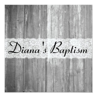 Invitación de madera gris del bautismo del país