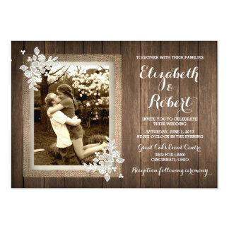 Invitación de madera rústica del boda de la foto