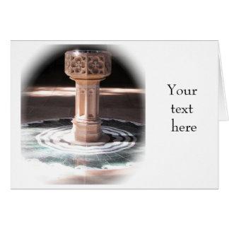 Invitación del bautizo - fuente de la iglesia tarjeta de felicitación