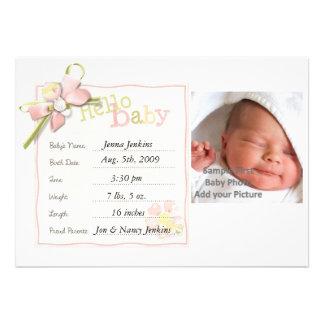 Invitación del bebé de la niña recién nacida