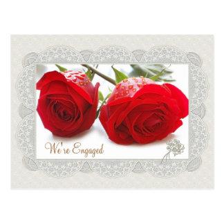 Invitación del compromiso de los rosas rojos