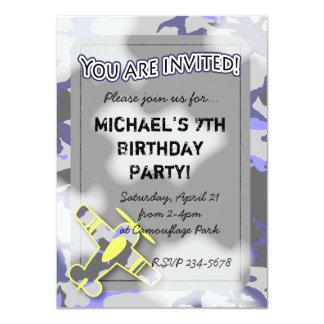 Invitación del cumpleaños del camuflaje del