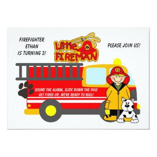 Invitación del cumpleaños del coche de bomberos