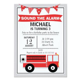 Invitación del cumpleaños del coche de bomberos y
