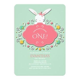 Invitación del cumpleaños del conejito de la niña