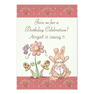 Invitación del cumpleaños del conejito y de las