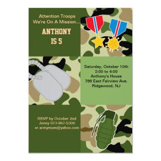 Invitación del cumpleaños del ejército de las invitación 12,7 x 17,8 cm
