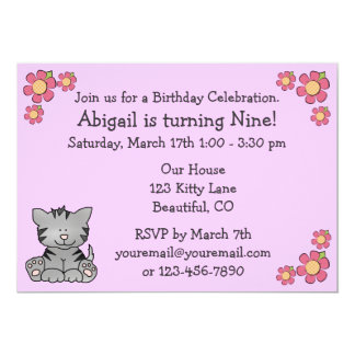 Invitación del cumpleaños del gatito para los