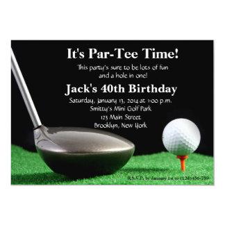 Invitación del cumpleaños del golf del hombre invitación 12,7 x 17,8 cm