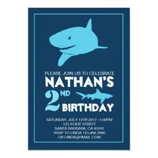 Invitación del cumpleaños del tiburón para el