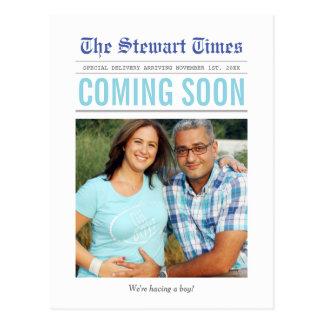 Invitación del embarazo del periódico el | postal