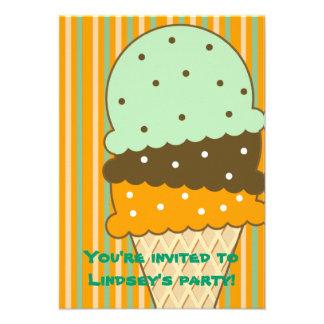 Invitación del fiesta del helado de las rayas del