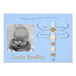 Invitación del nacimiento de la libélula del bebé