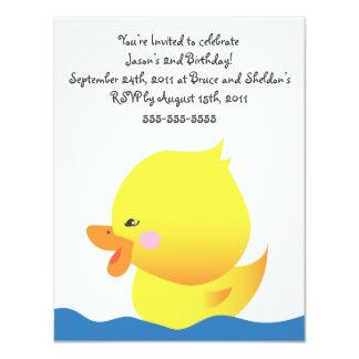Invitación Ducky de goma linda del cumpleaños del
