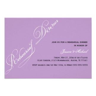 Invitación elegante de la violeta de la cena del e