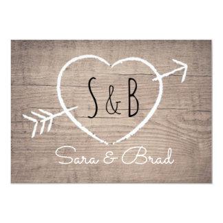 Invitación elegante del boda del corazón de madera