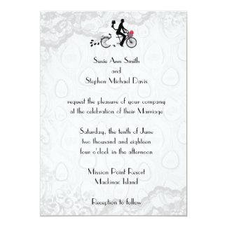 Invitación en tándem blanca de plata del boda de