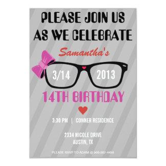 Invitación femenina del cumpleaños de los vidrios