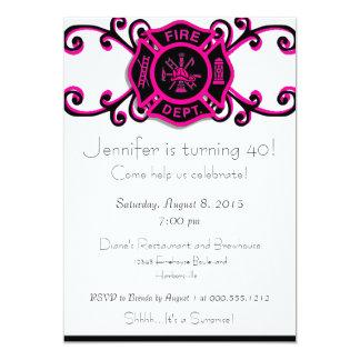 Invitación femenina del cumpleaños del bombero invitación 12,7 x 17,8 cm
