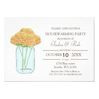 Invitación floral amarilla del estreno de una casa