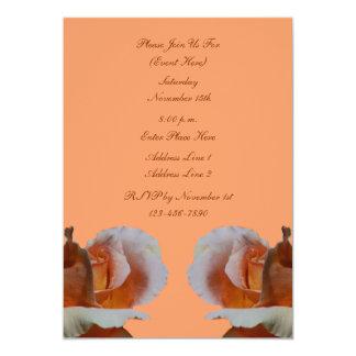 Invitación floral de los capullos de rosa del