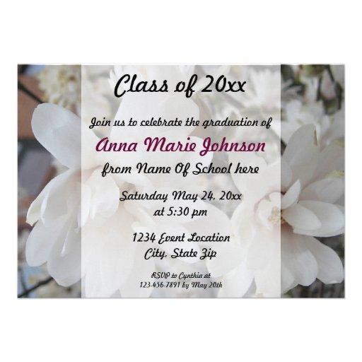 Invitación floreciente de la graduación del flor d