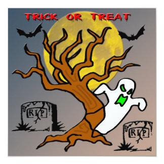 Invitación frecuentada de Halloween del fantasma