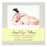 Invitación gris amarilla del nacimiento de la foto