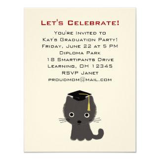 Invitación gris de la graduación del gatito