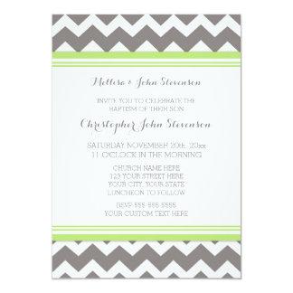 Invitación gris verde del bautismo de Chevron Invitación 12,7 X 17,8 Cm