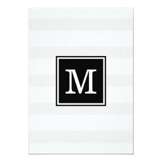 Invitación gris y blanca simple del boda de la