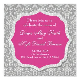 Invitación gris y magenta del boda