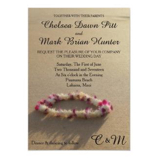 Invitación hawaiana del boda de playa de los leus