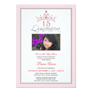 Invitación Jeweled rosa de Quinceanera de la tiara