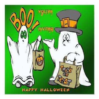 Invitación linda de Halloween de los fantasmas