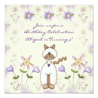Invitación linda del cumpleaños del gato y de las invitación 13,3 cm x 13,3cm