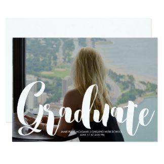 Invitación minimalista de la graduación de la foto