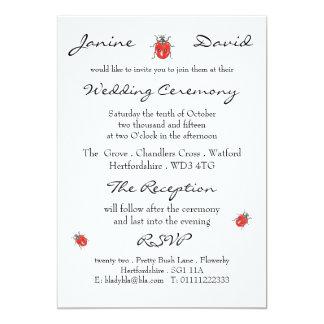 Invitación minúscula del boda de la mariquita/de